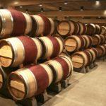 Vì sao rượu vang thường bảo quản trong thùng gỗ sồi?