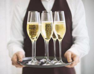 Bật mí những điều cần biết về rượu Champagne
