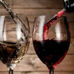 Nên chọn rượu vang chát hay vang ngọt
