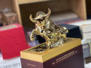 Ưu đãi đặc biệt mua vang tặng trâu vàng Tân Sửu