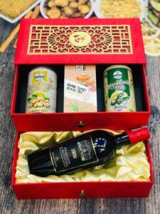 Set quà tặng tết 2021 của rượu vang Minh Phương